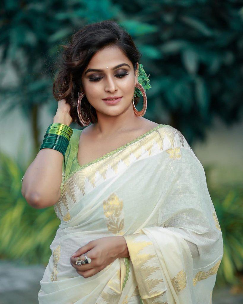 kerala-kasavu-saree-online-15