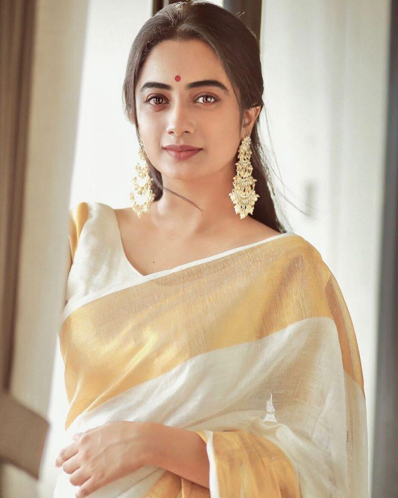 kerala-kasavu-saree-online-2