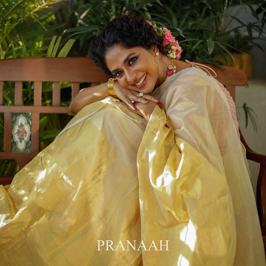 kerala-kasavu-saree-online