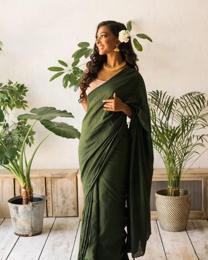 simple-designer-sarees-online-11