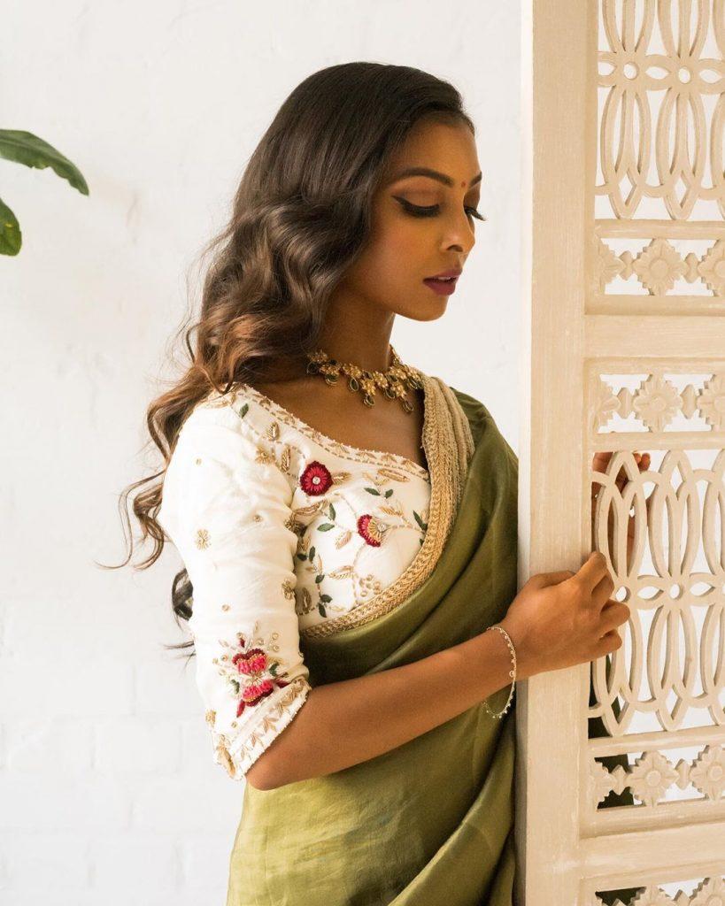 simple-designer-sarees-online-12