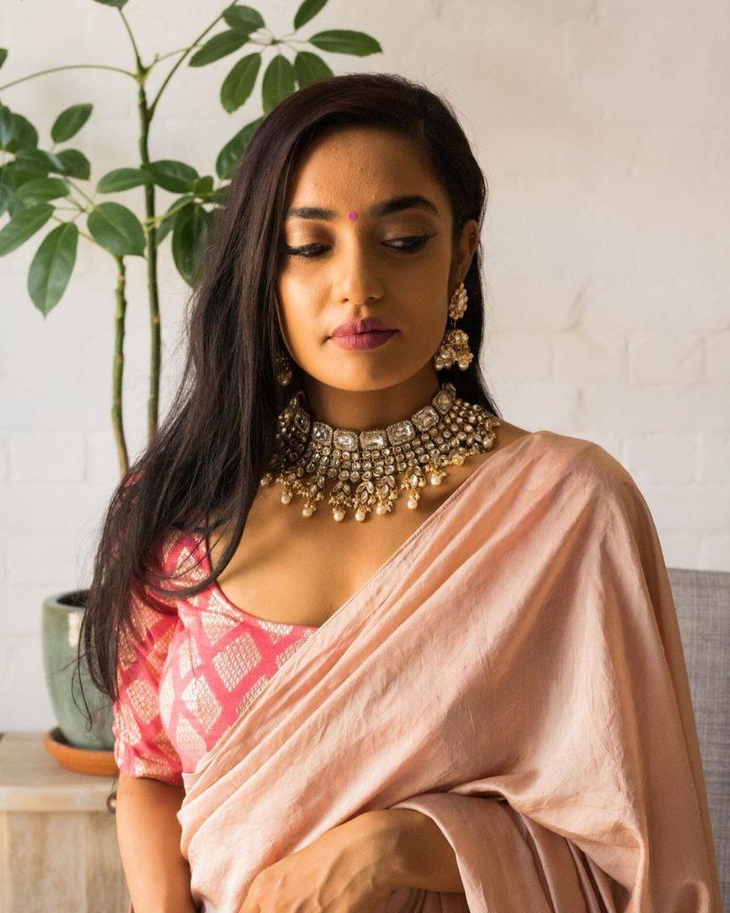 simple-designer-sarees-online-17
