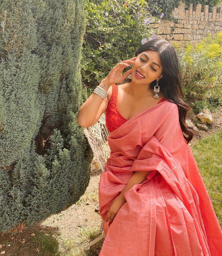 simple-designer-sarees-online-2
