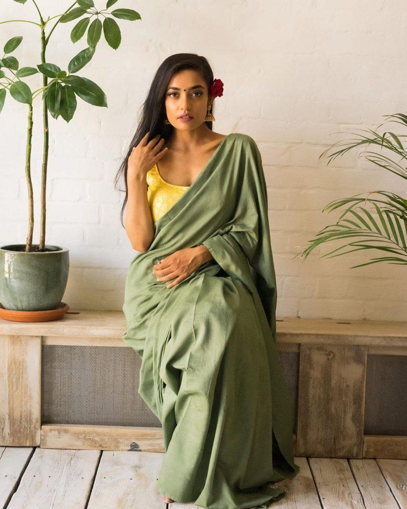 simple-designer-sarees-online-3