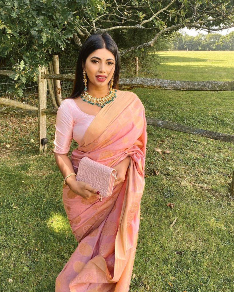 simple-designer-sarees-online-7