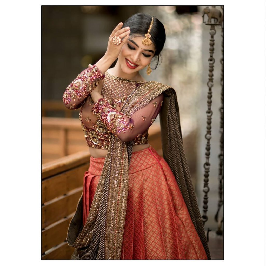 bridal-outfits-indian-17