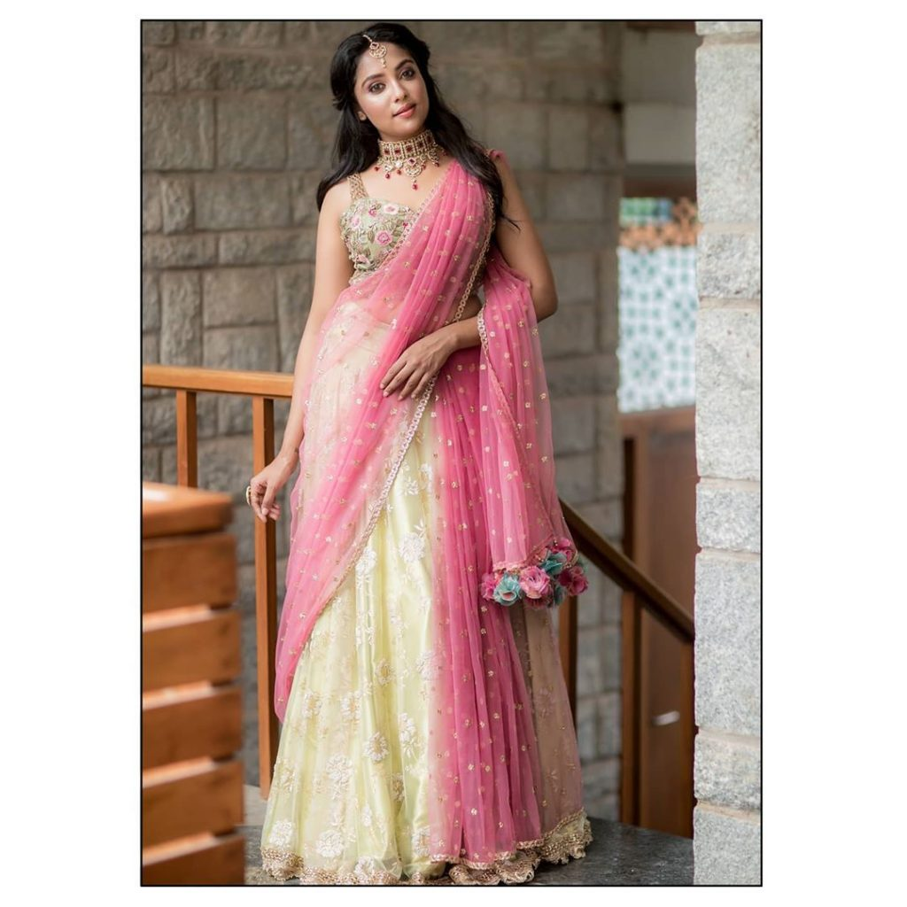 bridal-outfits-indian-8