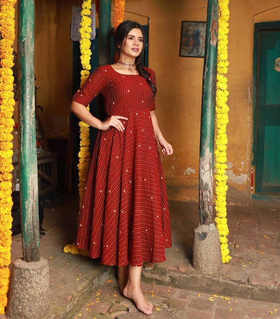 ethnic-dresses-for-women-11