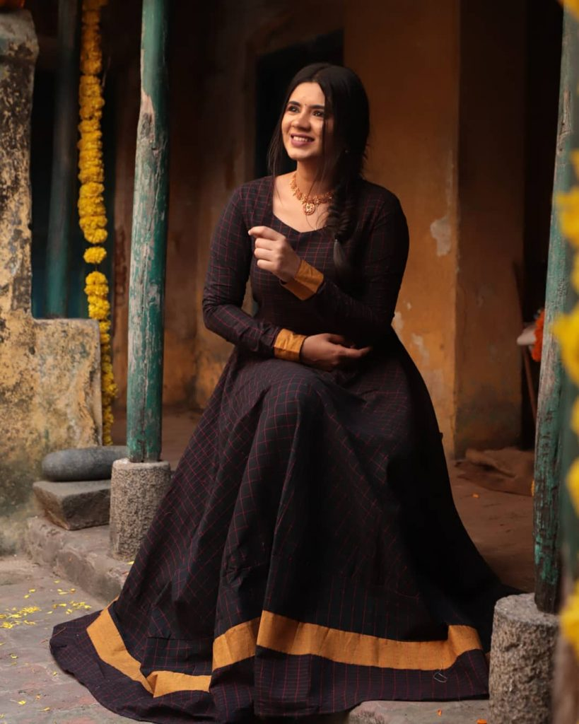 ethnic-dresses-for-women-13