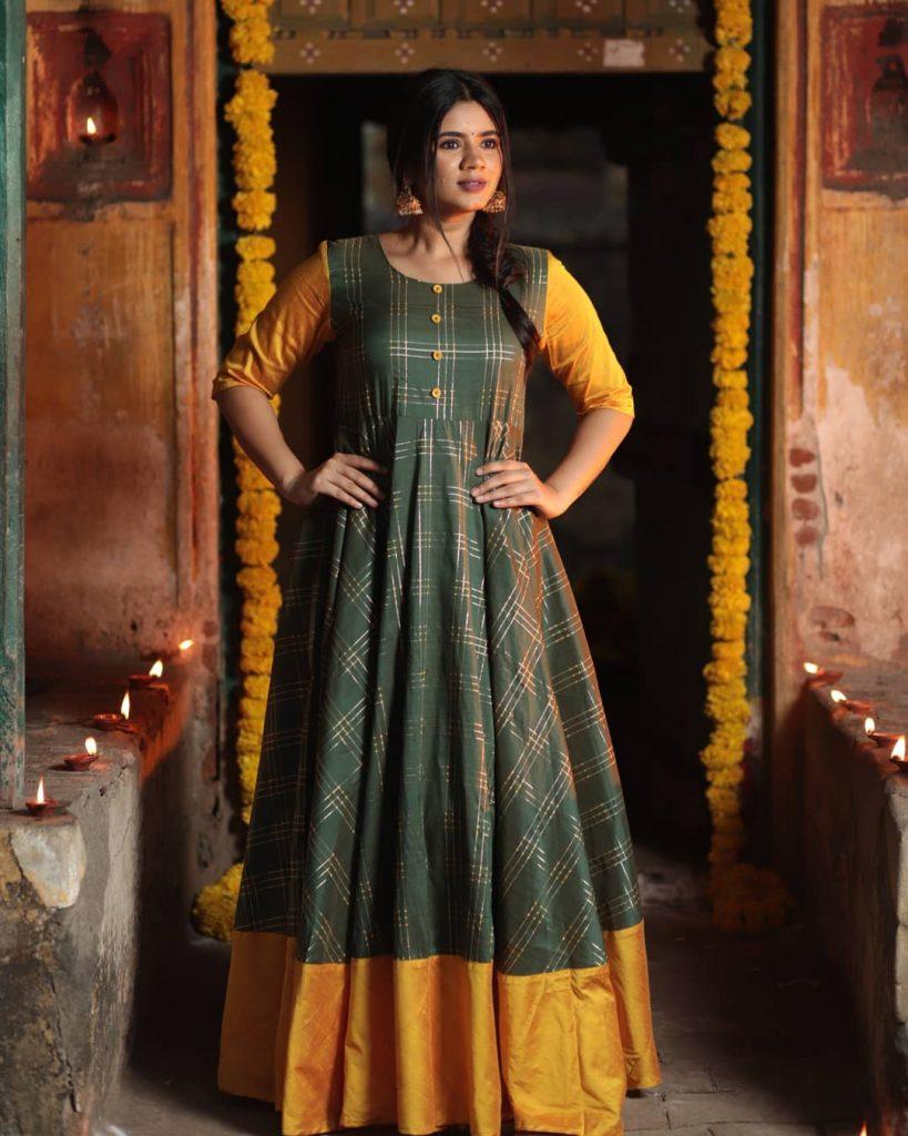 ethnic-dresses-for-women-4