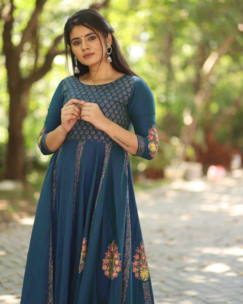 ethnic-dresses-for-women-7
