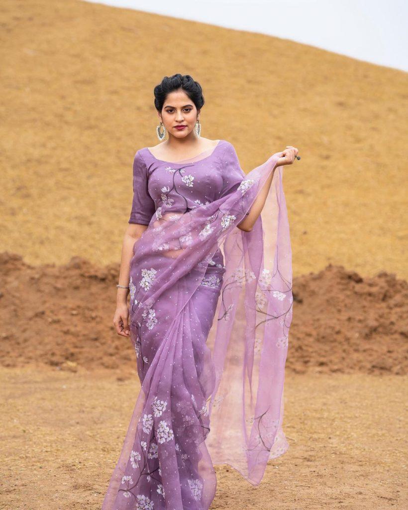 floral-sarees-online-10