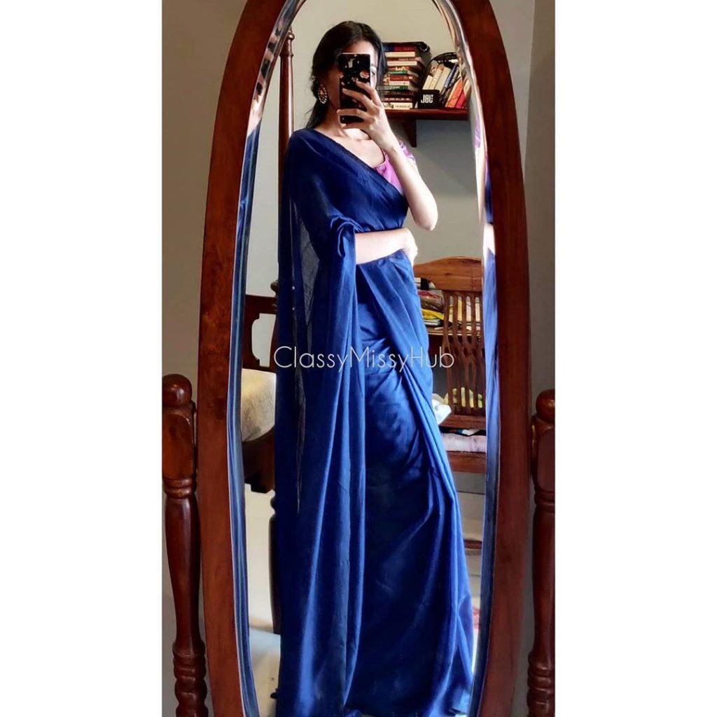 plain-saree-wearing-style-1