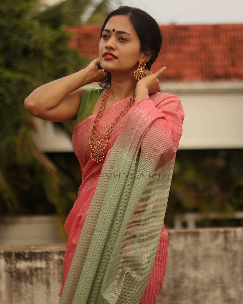 simple-saree-design-2020-11