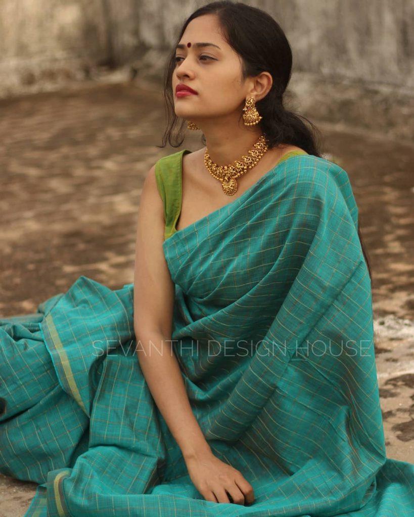 simple-saree-design-2020-13