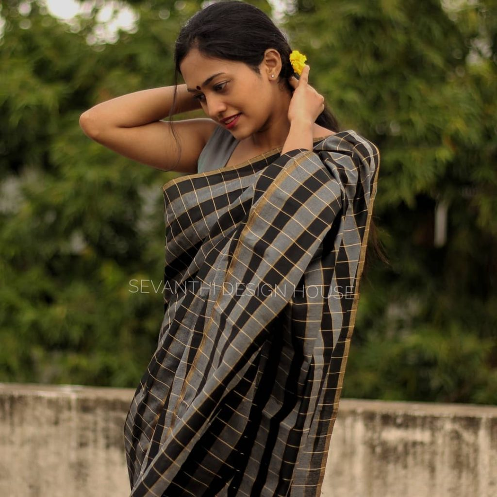 simple-saree-design-2020-16