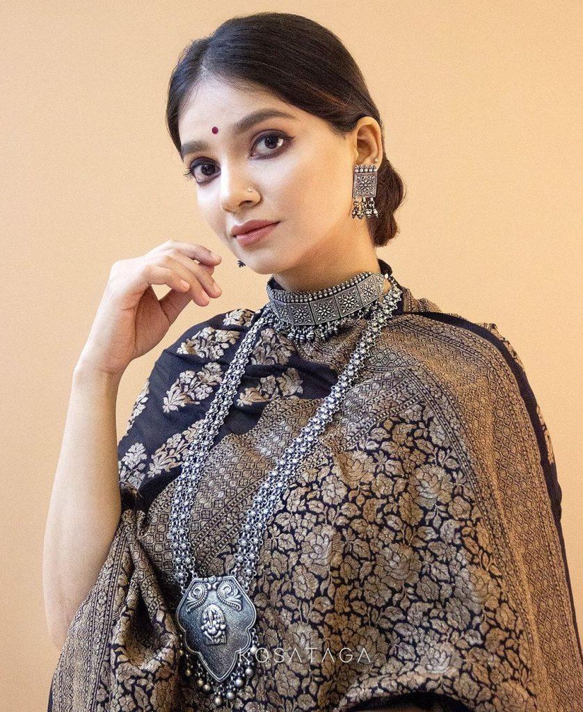 handcrafted-saree-online