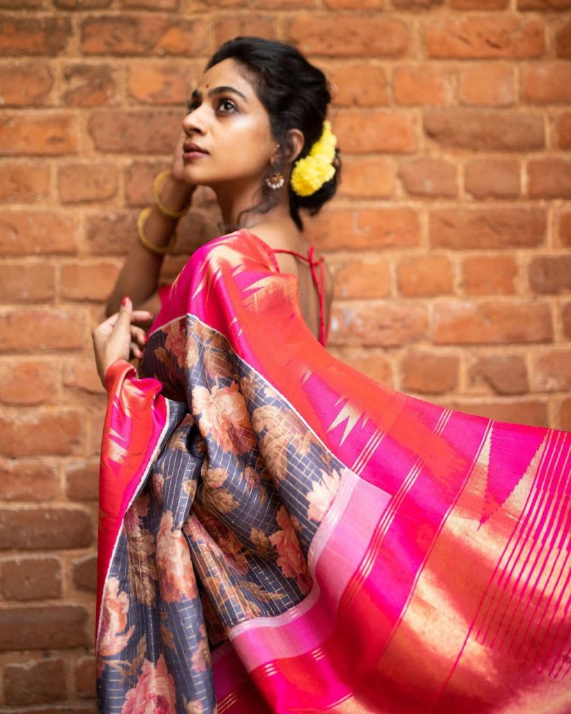 pure-silk-graceful-saree-15