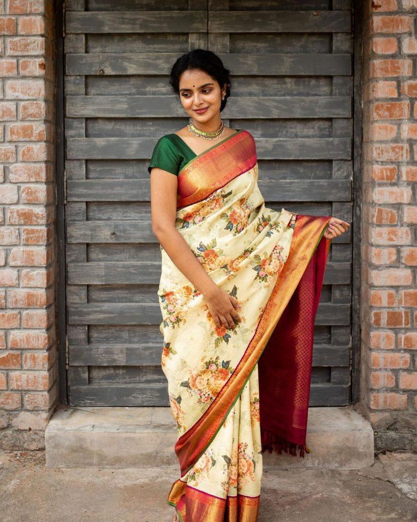 pure-silk-graceful-saree-16