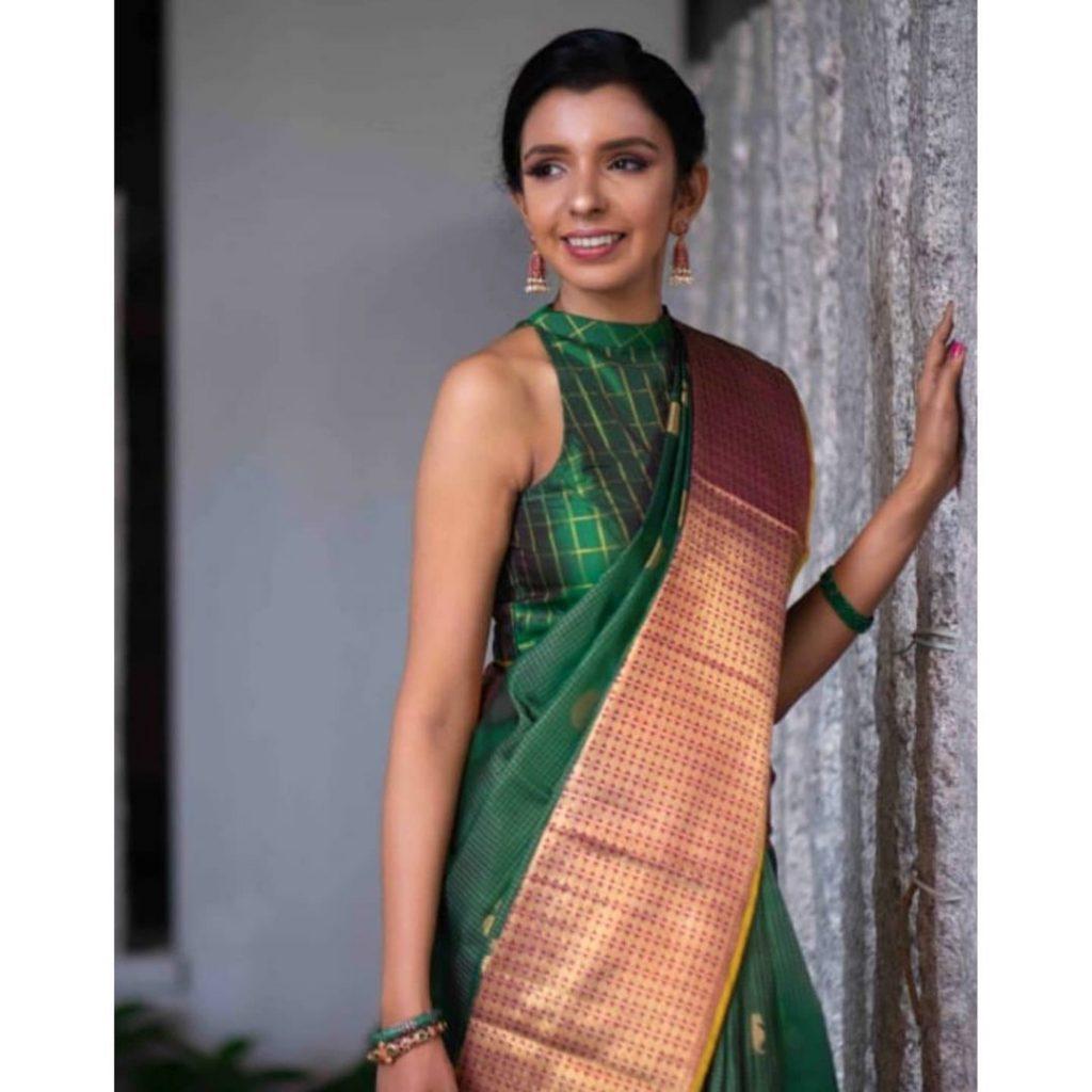 silk-sarees-for-wedding-party-17