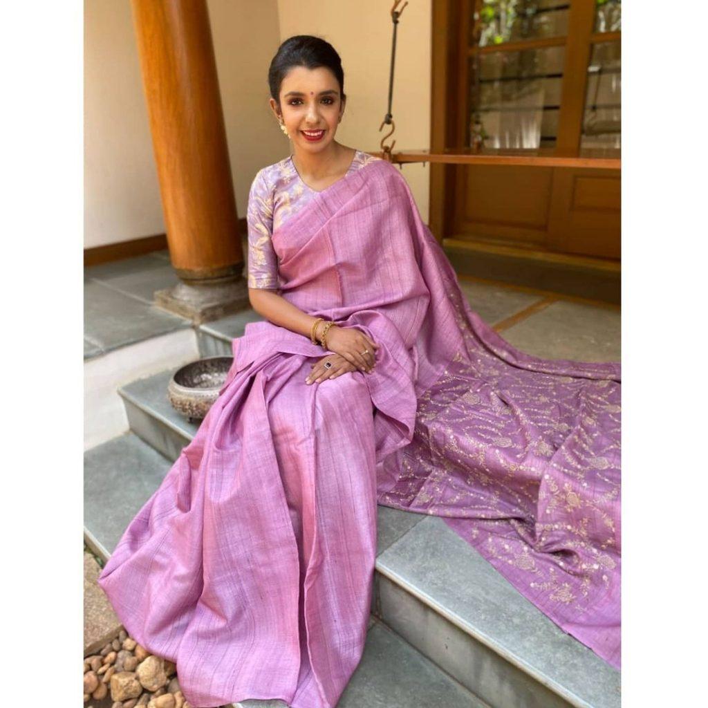 silk-sarees-for-wedding-party-6