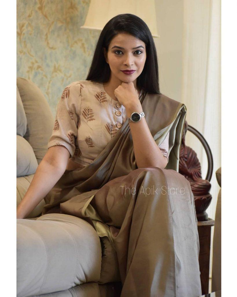styling-plain-sarees-9