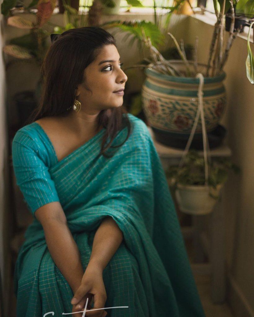 sustainable-saree-brands-12