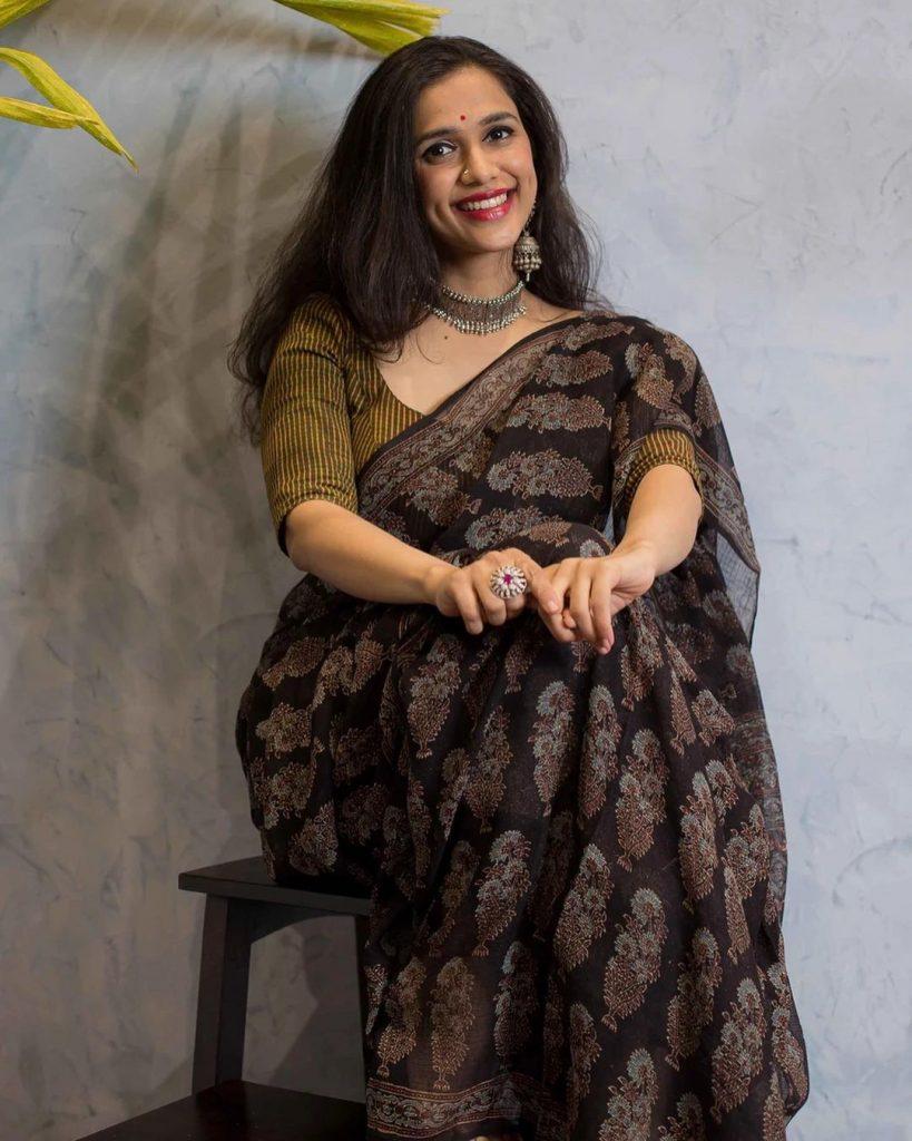 simple-saree-design-images-14