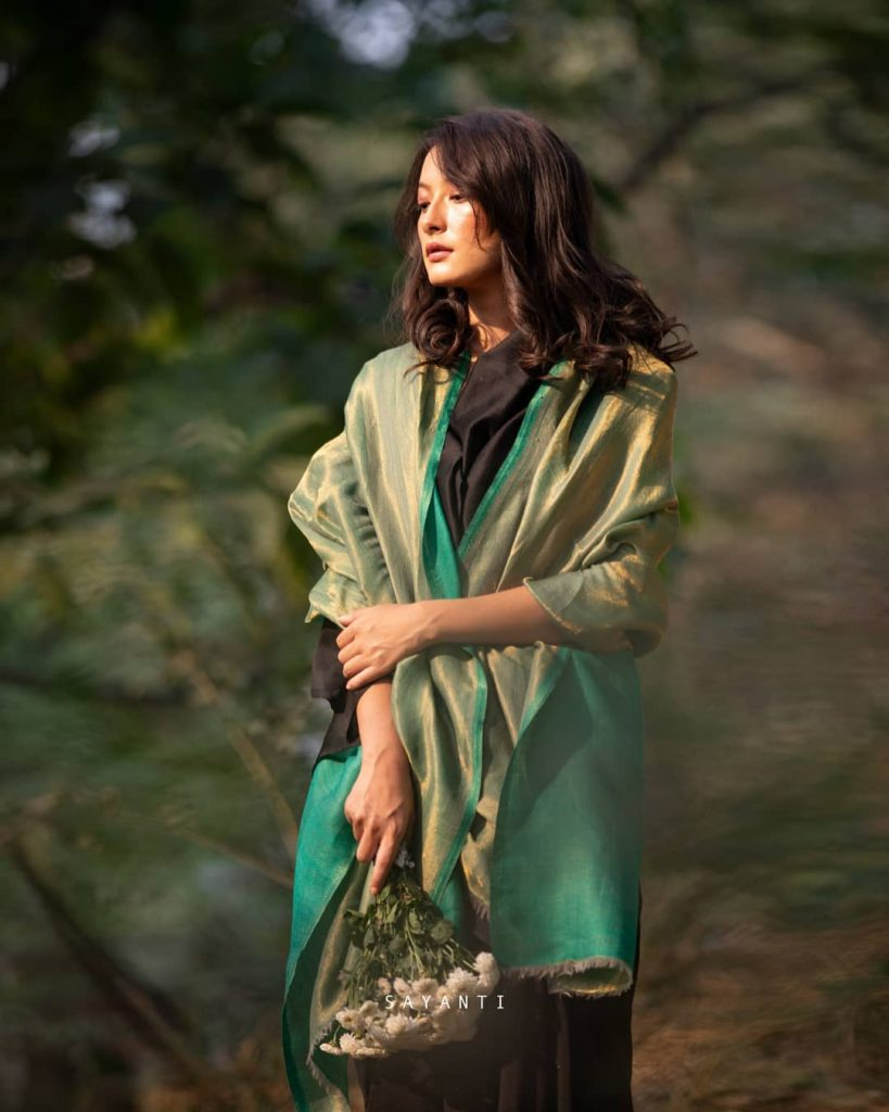 styling-saree-in-winter-12