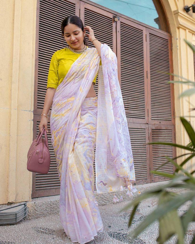 minimalistic-saree-styling